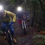 Cykellygte til hjelm – Find de bedste til mountainbike
