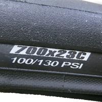 Dæktryk angivet i Psi på et dæk