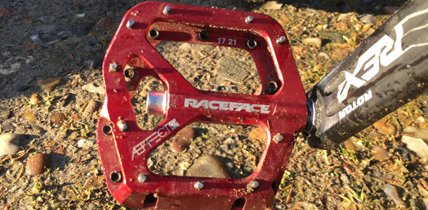Flat pedal