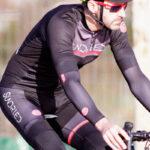 Cykeltøj: Løse ærmer, knæ og løse ben