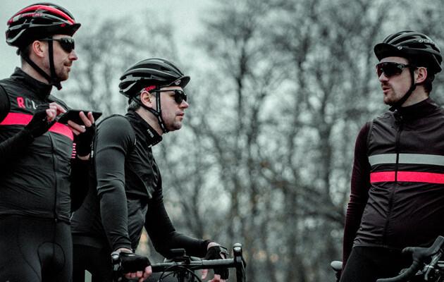 Billede af 3 Cykelmotionister med cykelbriller på