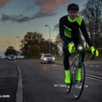 Cykelrytter med hi-vis cykeltøj